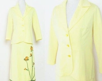 50% OFF SALE Vintage 1960's RETRO Yellow Polyester Dress Suit / Ladies Skirt and Blazer 2-Piece Outfit Size Large