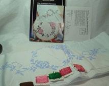1989 WONDERART Cross Stitch Pink Roses Pillowcases  Kit.