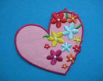 SALE~ 2 pcs Iron-on Embroidered Patch Beautiful Heart 2.5 inch