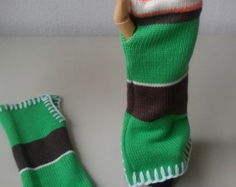 Multicolored fingerles gloves