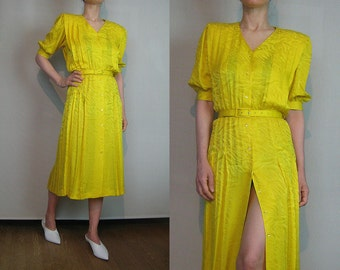80s GOLDEN YELLOW SILK Vintage  Tiger Striped Animal Print Pure Silk Button Down Pleated Belted Short Sleeve V Neck Midi Dress Small 1980s