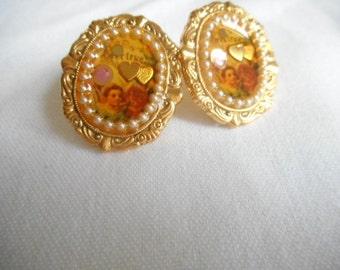 Vintage Gold Tone Faux Pearl Heart Pierced earrings