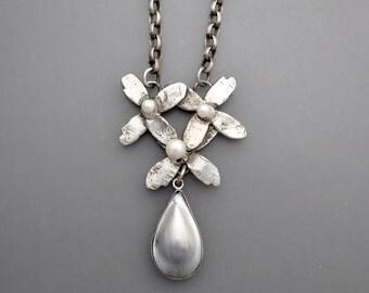 Tahitian Pearl Flower Power