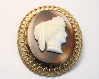Vintage cameo brooch.   Classical lady. Glass cameo