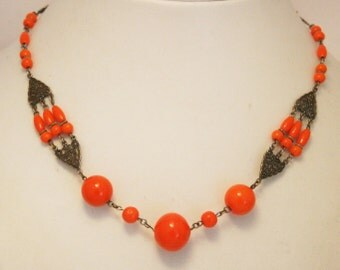 Art Deco necklace. Orange glass bead necklace.  Vintage necklace.  Vintage jewelry.  Antiker Schmuck