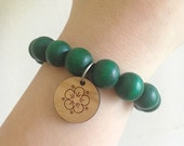 Emerald green wooden bead bracelets, bridesmaids jewelry, girlfriend gift, wife gift, bridesmaid gift, statement bracelet, charm bracelet