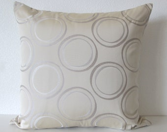 Sheen Circle Slate Silver decorative pillow cover