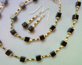 Black and Olive Green Necklace, Bracelet and Earrings (0672)