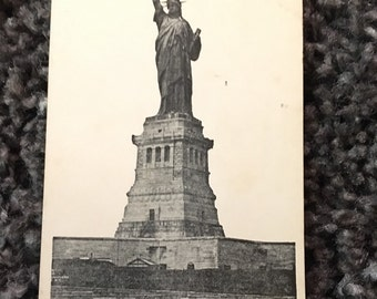 Vintage Postcard - Statue of Liberty - New York City