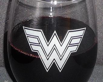 WONDER WOMAN 22 oz Hand Etched Wine Glass (Choose Stemmed or Stemless) Super Hero