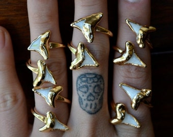 XMAS IN JULY Double Shark Tooth Ring /// Shark Tooth Wrap /// Gold