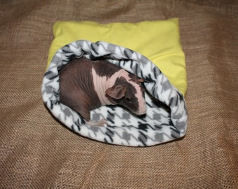 Medium Yellow Houndstooth pouch for small pets. guinea pigs. rats. rodents.