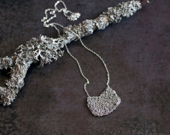 Knit chain necklace. Chain necklace. Knit necklace. Silver color chain necklace. Knit jewelry. Chain jewelry. Geometric necklace.