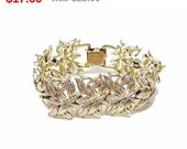 Vintage Coro Leaves - Bracelet with Leaf Pattern in Goldtone