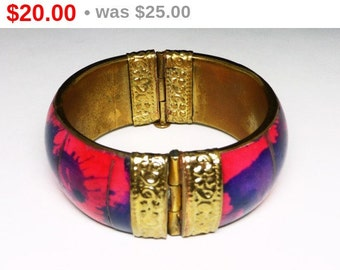 Eastern Indian MOD Bracelet - HInged Bangle - Abstract Splashes of Hot Pink, Purple and black - Wide Chunky Vintage Jewelry