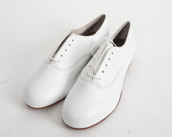 NEW vintage men's white Capezio lace up round toe oxford shoes leather dress shoes size 13.5 M NOS