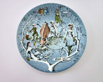 """Vintage 1977 Haviland France, Limoges Plate, """"Eight Maids A Milking""""  From 12 Day of Christmas - Collectable - Blue Christmas Plate"""