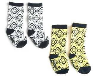 Baby and toddler knee high socks package of 2 Baby socks yellow and black and white Boot Socks in Aztec print baby shower gift nordic