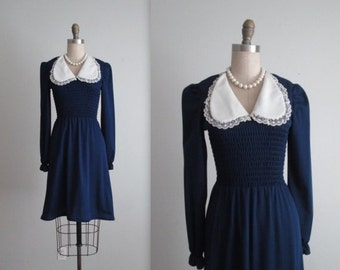 STOREWIDE SALE 70's Dress // Vintage 1970's Navy Dolly Puff Sleeve Day Dress XS