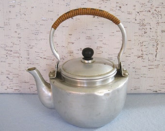 Tea Pot / Aluminum / Made in Japan / Mini Tea Pot