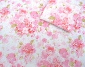 VINTAGE SHEET Fat Quarter Pink Soft Floral Retro Bed Linen 1960s VSPk-05