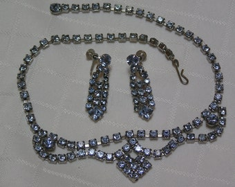 Vintage sky blue stunning wedding rhinestone necklace and screw back earrings