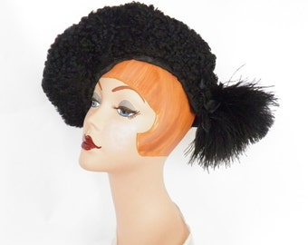 1930s tilt hat, vintage black lambswool with feathers
