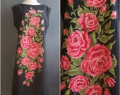 1960s roses shift dress with huge engineered print of roses, volup/XL size extra large dress