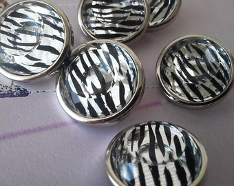 12  pieces, Black and White Zebra plastic buttons,  Faceted Cabochon Center, 22 mm, Home decor