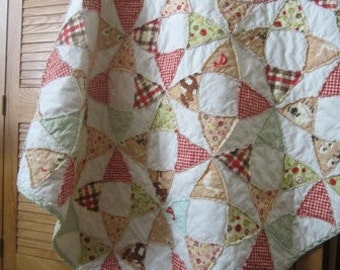 Farm Fresh.....A Fray Edge Circle Quilt......Ready to Ship...Gender Neutral......Shower/Birthday.....Free Shipping US only