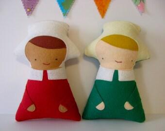 Wee Wonderfuls Bonneted Baby Soft Felt Doll