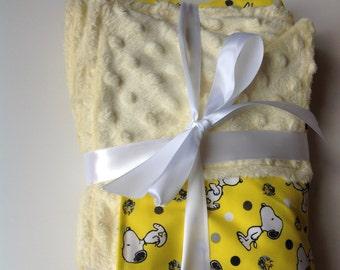 "Snoopy Peanuts minky fleece cotton baby blanket 26""x28"""
