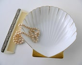 Vintage Scalloped Shell Dish. White and Gold. Candy Dish or Trinket Dish.  Bedroom Vanity Decor. Bathroom Decor. Wedding Tableware.