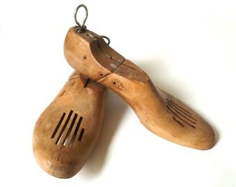 Vintage Wood Shoe Inserts / Shoe Forms … Size 8, Miller Brand, Narrow, Hinged, Great Patina, Bookends, Wood, Maple Shoe Trees, Shoe Holders