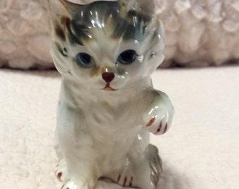 20% OFF SALE Vintage Waving Kitten Figurine Porcelain Persian Calico Japan 1960s
