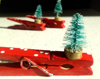 RED CHRISTMAS TREE Clothespin