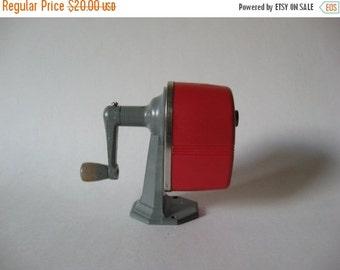 40% SALE Industrial mid century deco vintage redplastic pencil sharpener Apsco Midget tabletop office supply