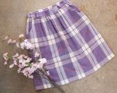 1970s . lavender plaid knee length skirt . size s