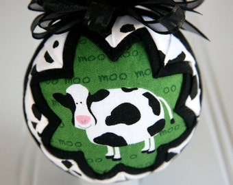 Quilted Ornament Ball/Black, White and Green - Moo
