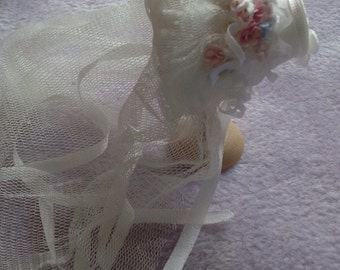 Miniature handmade 1/12 dollhouse beautiful ivory silk veiled bonnet
