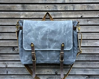 Messenger bag in waxed canvas / Musette  with adjustable shoulderstrap UNISEX