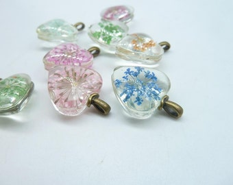 4pcs Mixed  20mm Heart  Handmade Dried Flowers Glass Cabochon Pendant Charms With Antique bronze  bail