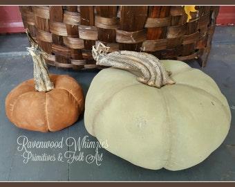 Primitive pumpkin, prim pumpkin, primitive halloween pumpkin, halloween pumpkin, lifelife pumpkin, handmade pumpkin