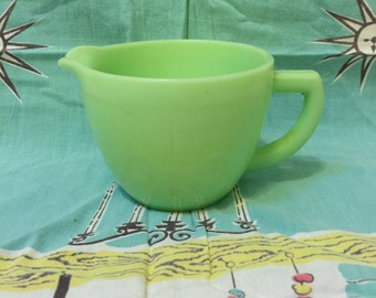 McKee Jadeite Heavy 2 Cup Measuring Cup with Pour Spout