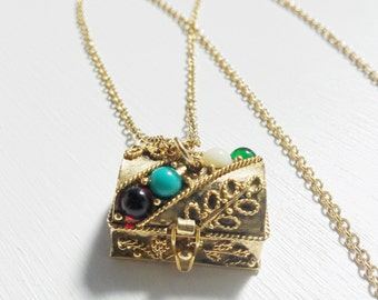 Vintage Avon Queen's Ransom Treasure Chest Necklace