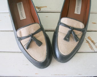 Vintage AIGNER OXFORDS..size 8.5 womens..loafers. wedges. chic. shoes. flats. mod. classic. librarian. indie. aztec. urban. etienne aigner.