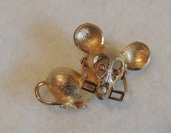 Vintage Avon Mouse Pin With Rhinestone Eyes & Movable Glasses / Spectacles