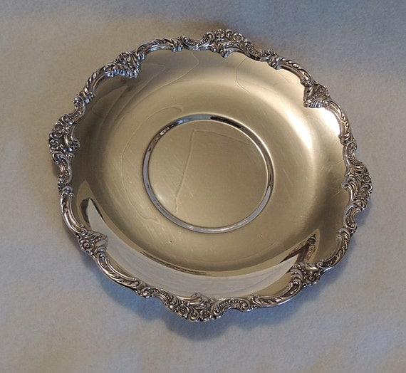 "Vintage Reed & Barton Silverplate 11.75"" Tray Platter.. Tara Hall 1108.. Floral Edge"