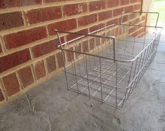 Vintage Wire/Metal Basket With Handles
