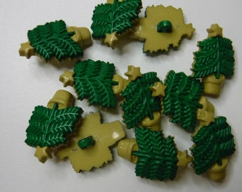 11 Potted Christmas Tree Shank Buttons Size 3/4""